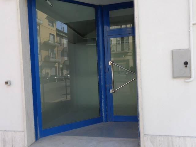 Locale commerciale in Via Flaminia 536/b, Falconara Marittima