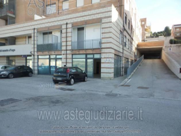 Negozio, Q2,q3, Ancona