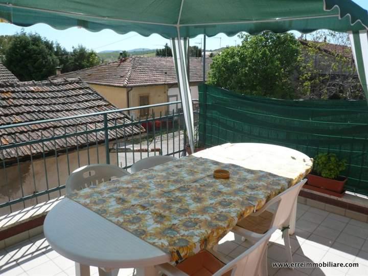 Appartamento in vendita a Roccastrada, 3 locali, prezzo € 130.000 | CambioCasa.it