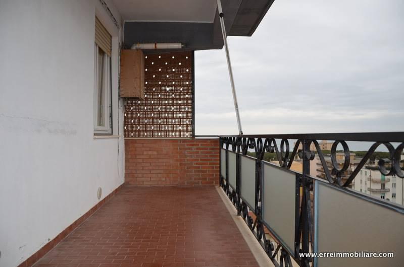Appartamento in vendita a Follonica, 4 locali, prezzo € 295.000 | PortaleAgenzieImmobiliari.it