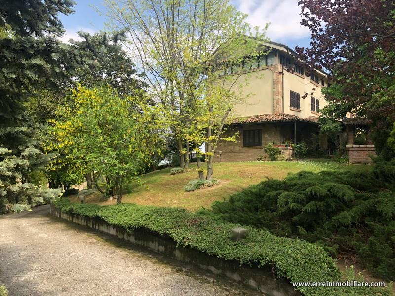 Appartamento in vendita a San Salvatore Monferrato, 10 locali, prezzo € 400.000 | CambioCasa.it