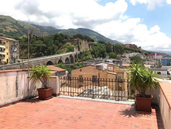 Attico / Mansarda in affitto a Paola, 1 locali, Trattative riservate | CambioCasa.it