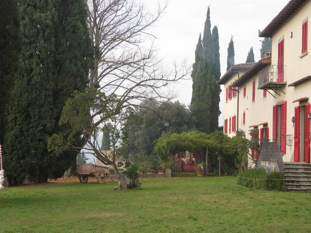 BAGNO A RIPOLI, Farm for sale of 5000 Sq. mt., Excellent Condition, Heating Individual heating system, Energetic class: G, Epi: 175 kwh/m2 year,
