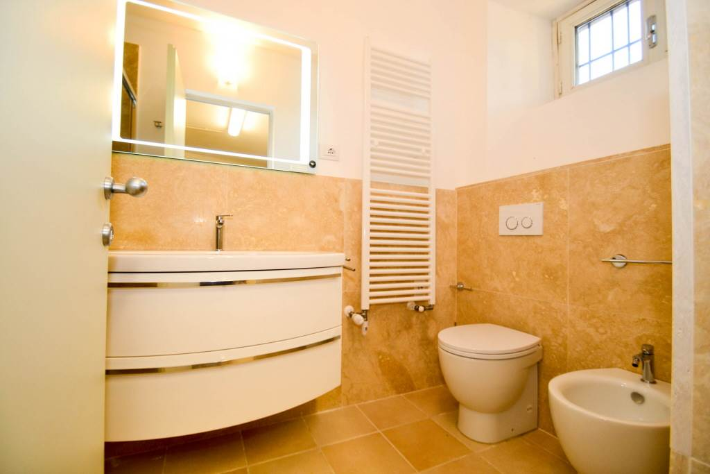 6257 051 bagno in cantina