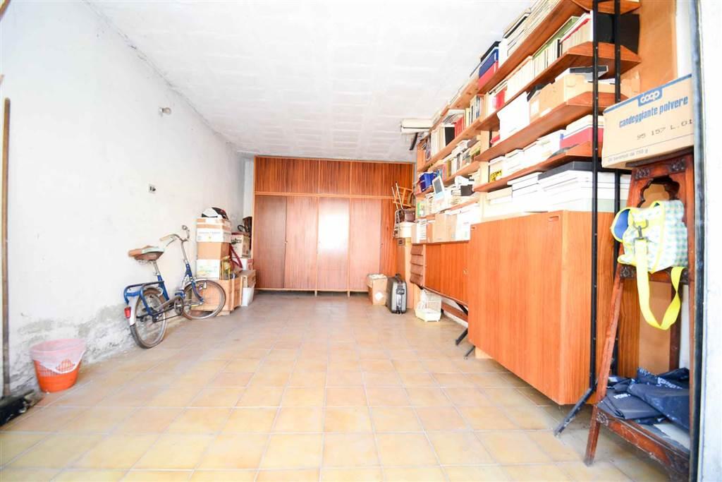 6956 049 garage