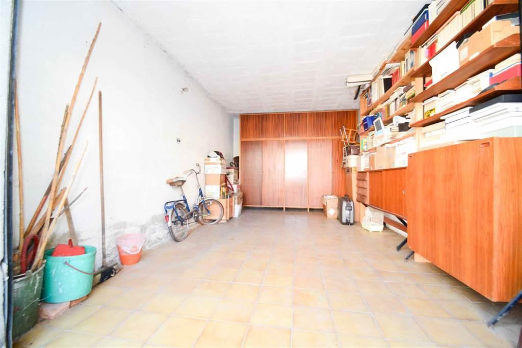 6956 050 garage