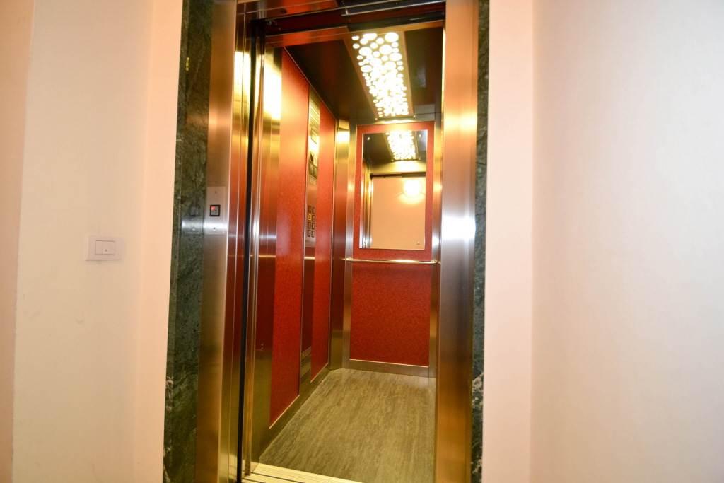 6052 017 ascensore