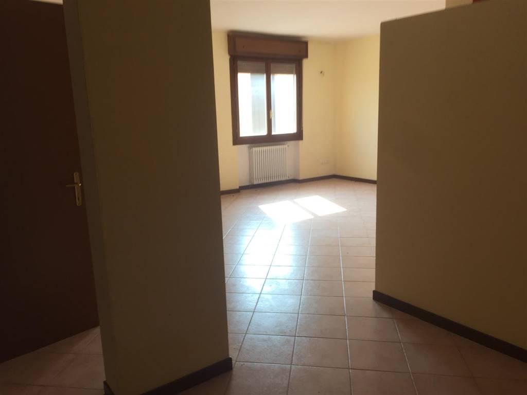 Appartamento in vendita a Borgo Virgilio, 4 locali, zona Località: CERESE, prezzo € 96.000   CambioCasa.it