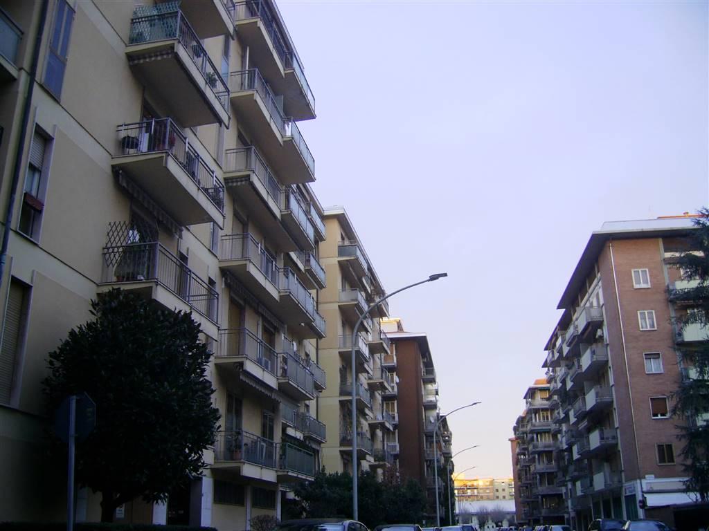 Quadrilocale in Viale Leonardo Da Vinci  8, Paiolo-pompilio, Mantova