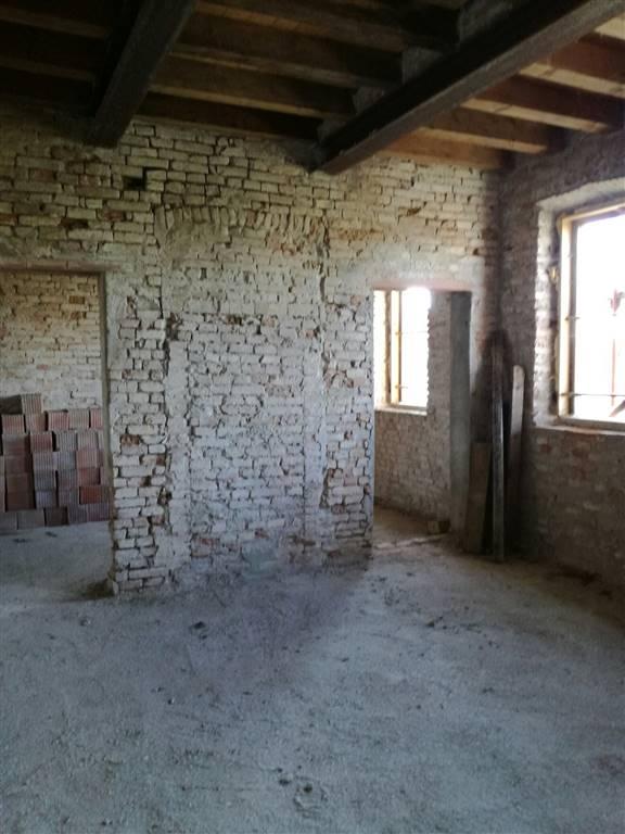 Villa Bifamiliare in vendita a Marcaria, 10 locali, zona Zona: San Michele in Bosco, prezzo € 95.000 | CambioCasa.it