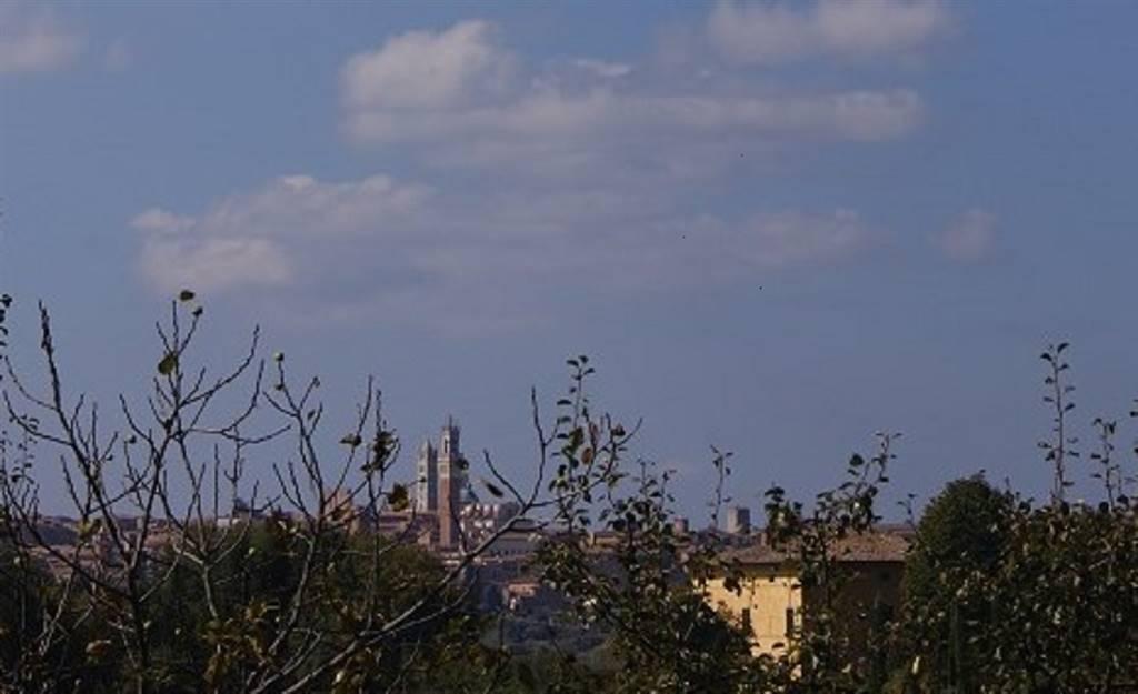 Villa Bifamiliare in affitto a Siena, 5 locali, zona Zona: Periferia, prezzo € 1.600 | CambioCasa.it