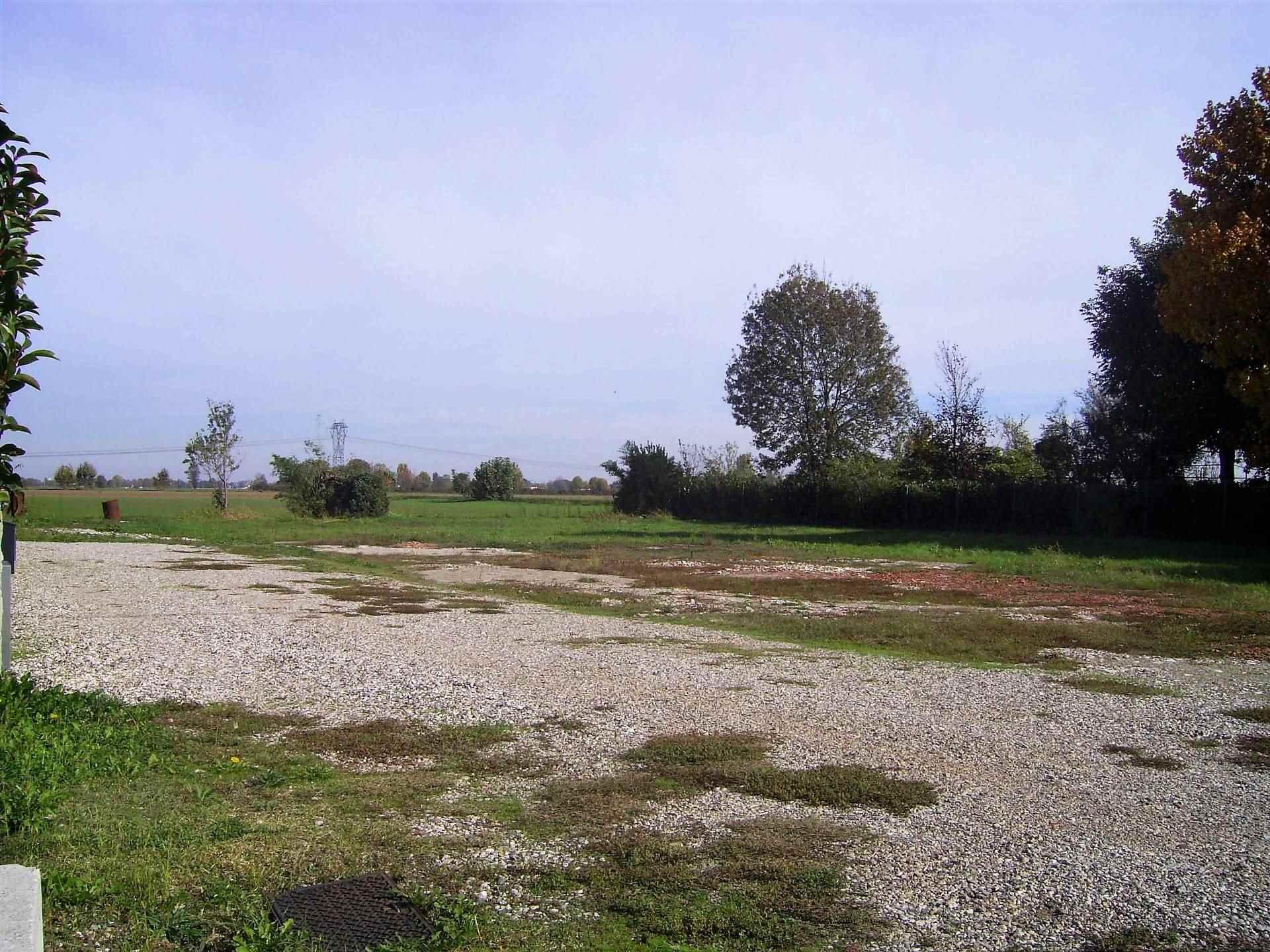 Terreno Edificabile Residenziale in vendita a San Giorgio di Mantova, 4 locali, zona Zona: Ghisiolo, prezzo € 49.900 | CambioCasa.it