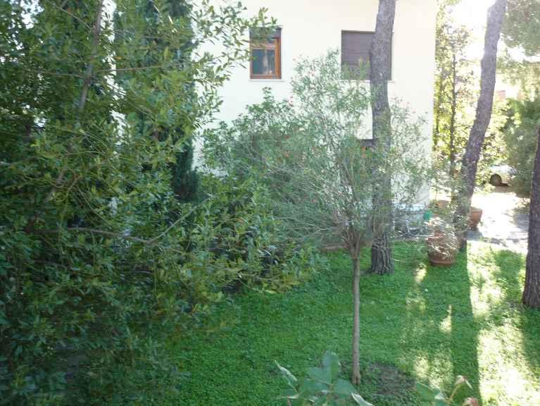 Villa, Narnali, Prato, in ottime condizioni