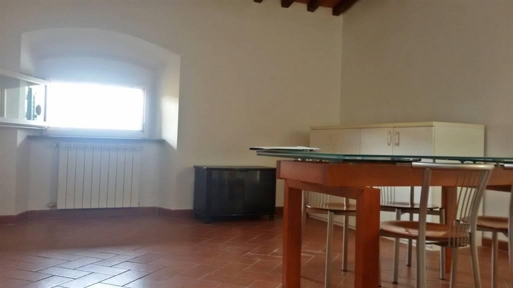 Bilocale, Centro Storico, Prato, in ottime condizioni