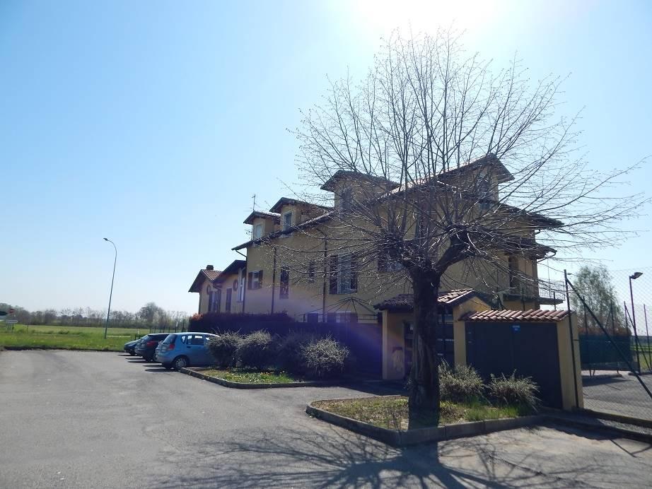Appartamento in vendita a Sandigliano, 4 locali, prezzo € 90.000   CambioCasa.it