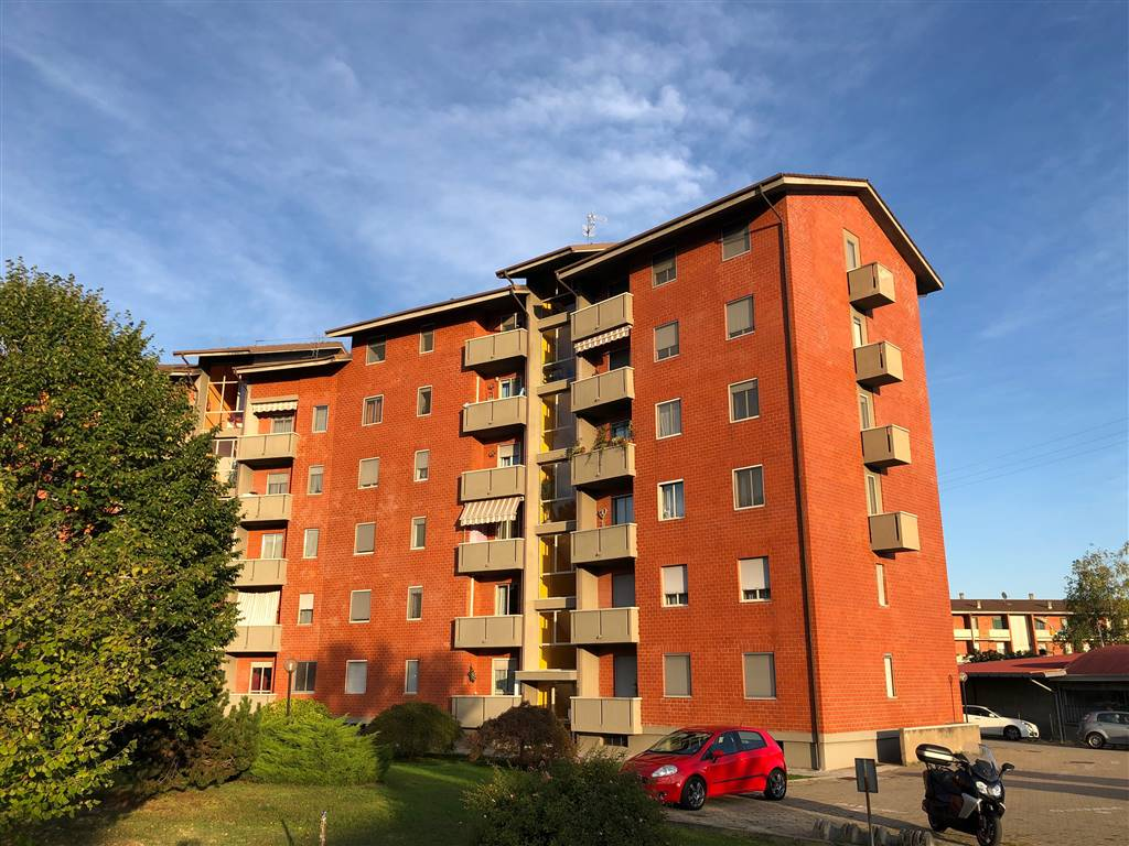 Appartamento in vendita a Cossato, 3 locali, zona Località: LORAZZO, prezzo € 39.000   PortaleAgenzieImmobiliari.it