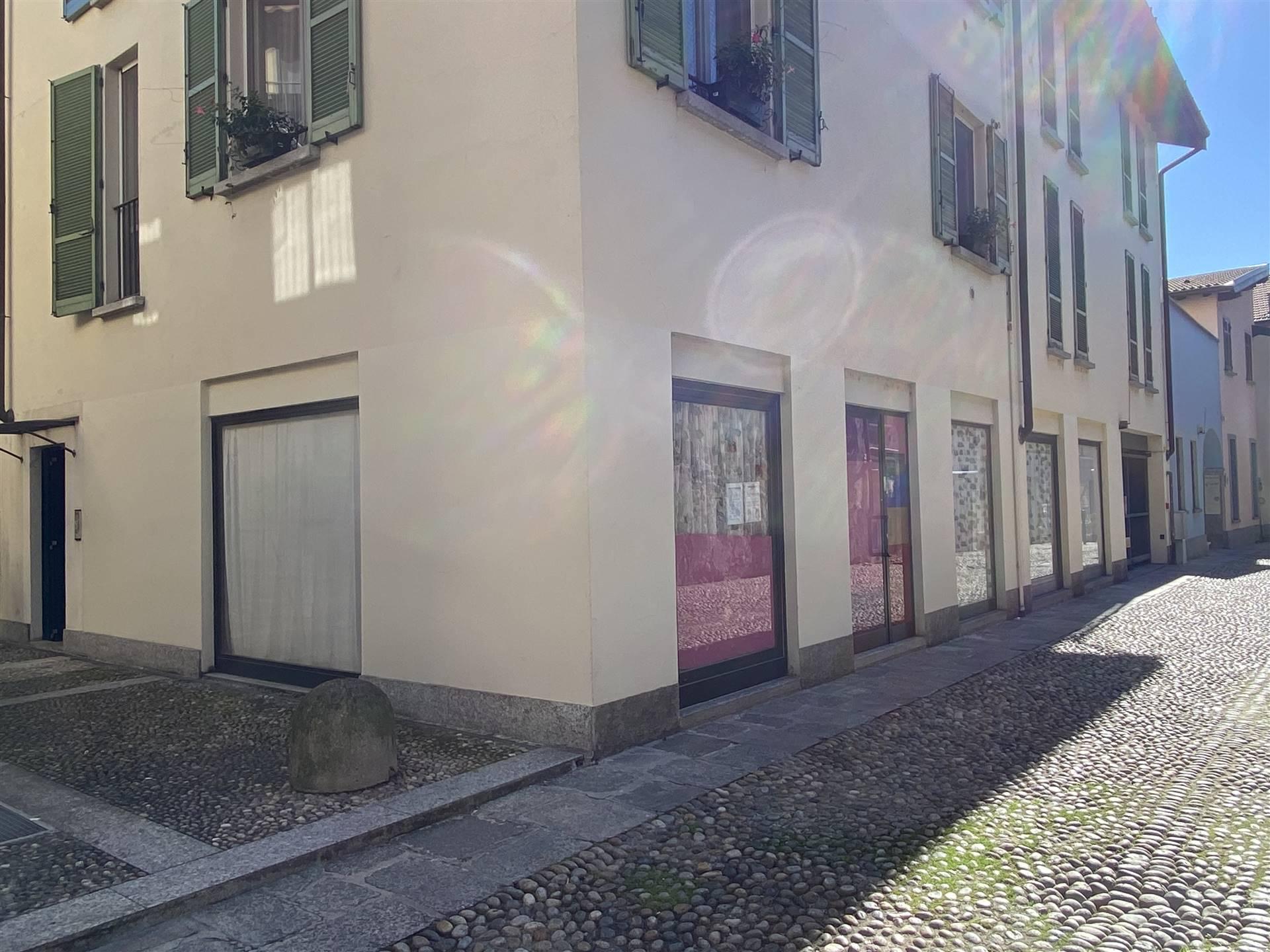 Negozio / Locale in vendita a Arona, 2 locali, prezzo € 120.000 | PortaleAgenzieImmobiliari.it
