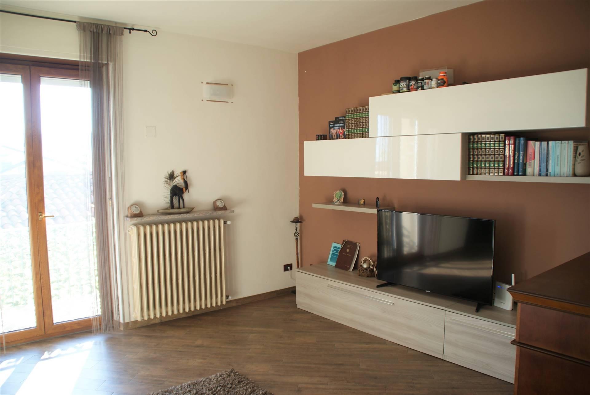 Appartamento in vendita a Occhieppo Superiore, 4 locali, zona Zona: Galfione, prezzo € 59.000   CambioCasa.it