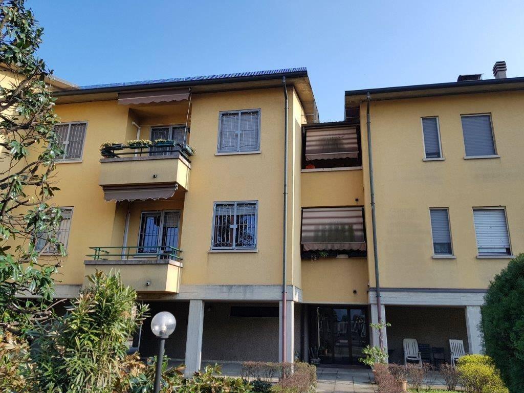 Appartamento a BELLINZAGO LOMBARDO 105 Mq | 3 Vani - Garage | Giardino 1000 Mq