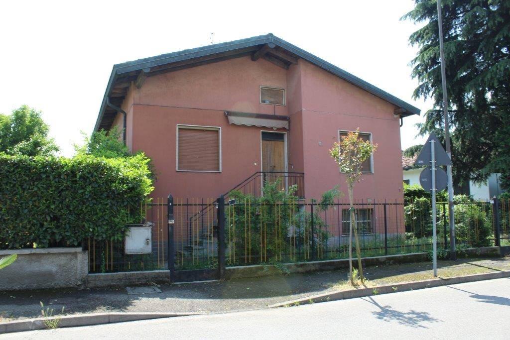 Villa, Truccazzano, da ristrutturare