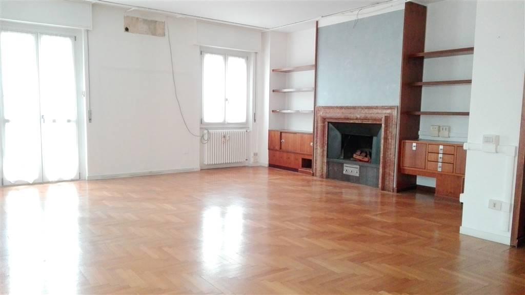 Appartamento in affitto a Inzago, 4 locali, prezzo € 1.000 | CambioCasa.it