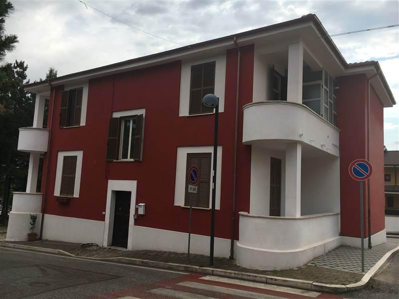 Appartamento in vendita a Massa d'Albe, 4 locali, zona Zona: Massa, prezzo € 52.000 | CambioCasa.it