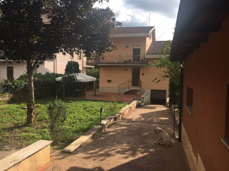 Appartamento indipendente in Via Tommaso Di Lorenzo, Magliano De' Marsi