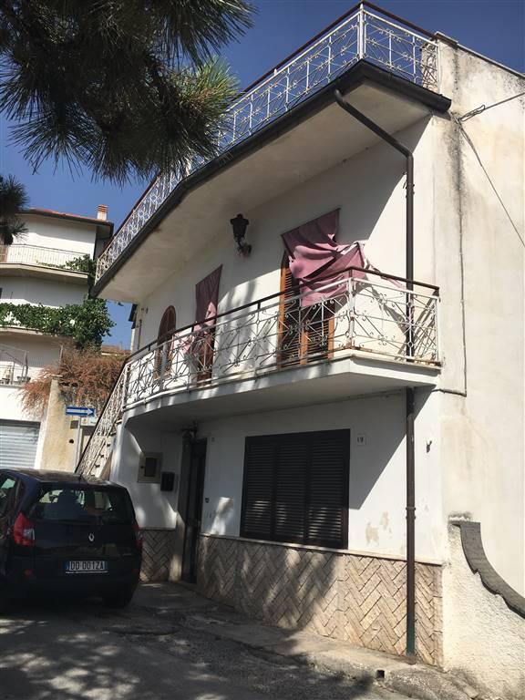 Casa semi indipendente in Via San Giacomo, Magliano De' Marsi