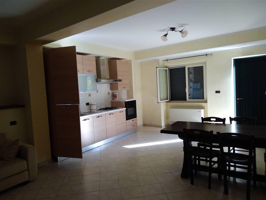 Appartamento indipendente in Via Roma Snc, Civitella Roveto