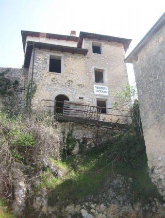 Rustico / Casale in vendita a Borgorose, 4 locali, zona Zona: Spedino, prezzo € 20.000 | CambioCasa.it