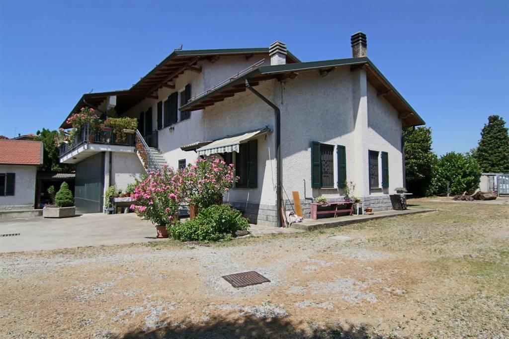 Soluzione Indipendente in vendita a Truccazzano, 8 locali, zona Località: TRUCCAZZANO, prezzo € 759.000   CambioCasa.it