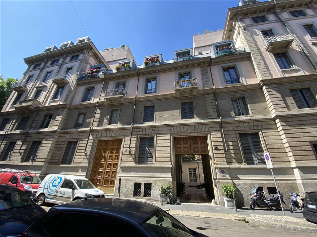 BRERA, MILANO, Apartment for sale of 113 Sq. mt., Excellent Condition, Heating Individual heating system, Energetic class: G, Epi: 300 kwh/m2 year, placed at 3°, composed by: 5.5 Rooms, Show cooking,