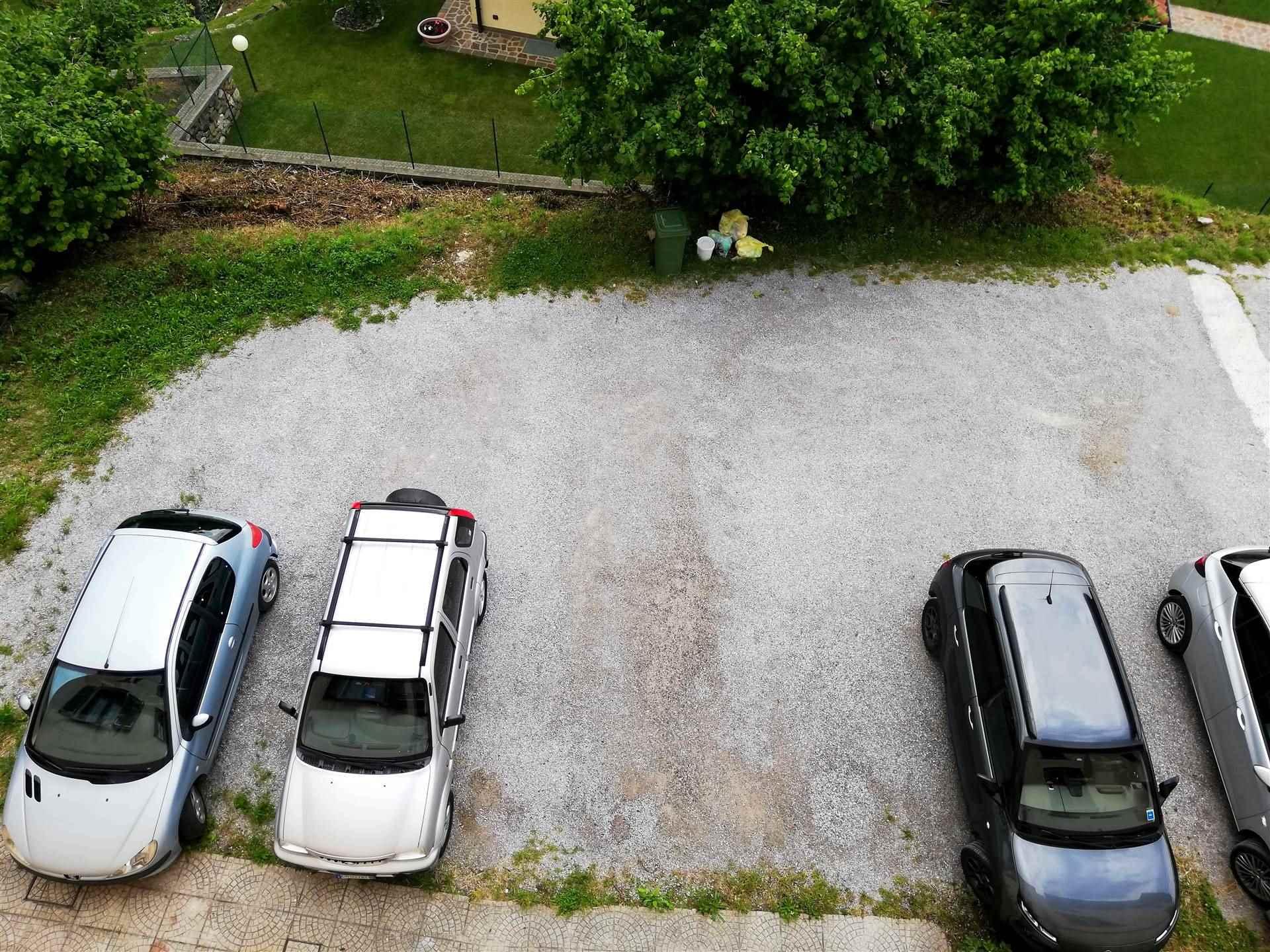 posto auto esterno