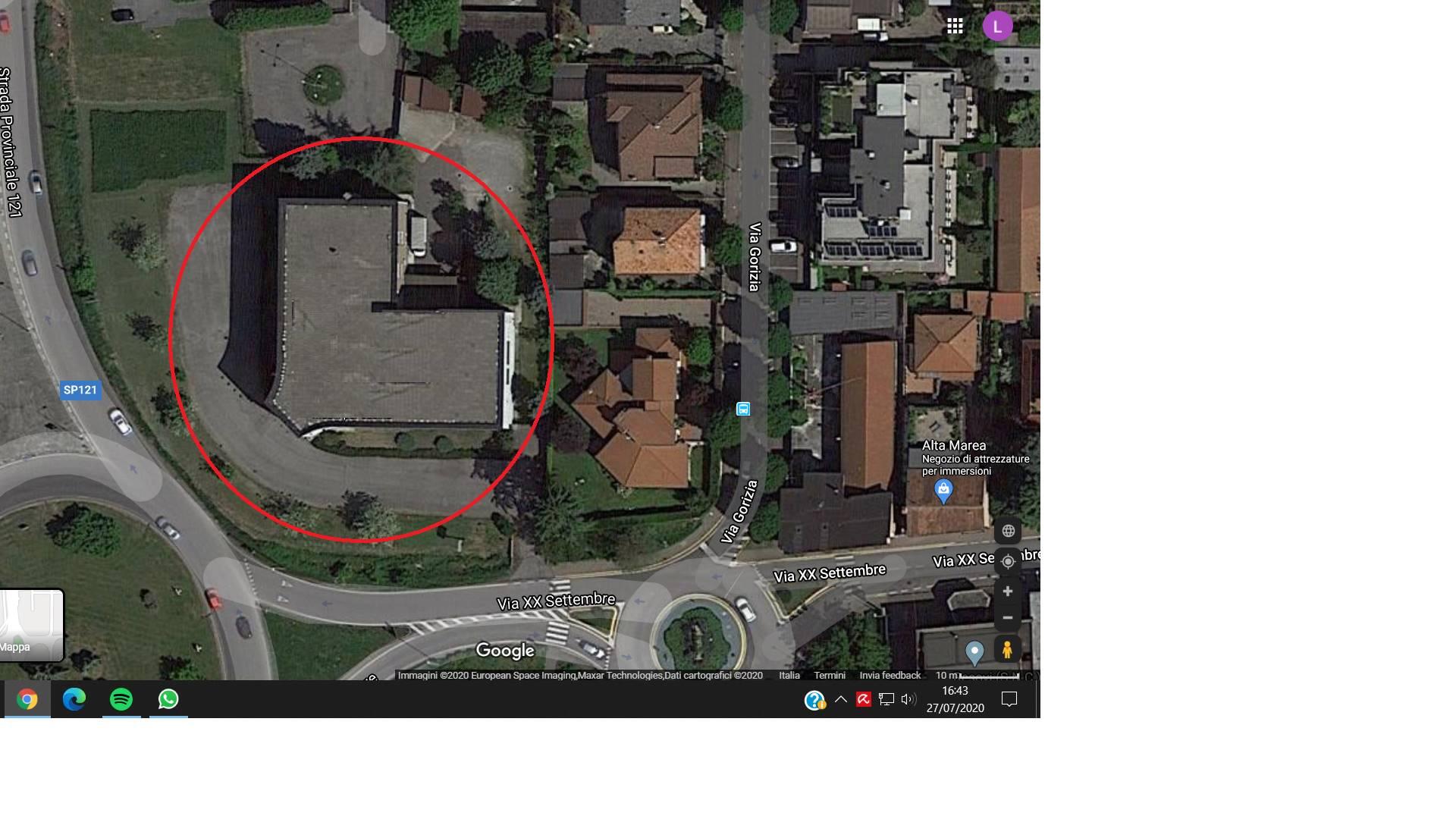 Welchome Business propone in locazione immobile commerciale esclusivo disposto su 4 piani di mq 1120 circa l'uno oltre ad area esterna di mq 4.600 circa. Posizionato a ridosso di una rotonda dalla