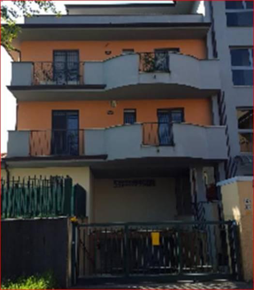 Proponiamo nel comune di Vignate, nella zona prettamente residenziale di nuova espansione del comune e a 15 min. a piedi dalla ferrovia, un grazioso monolocale di mq 35 posto al piano 3°, composto da