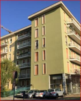 Appartamento all'asta di mq 62 commerciali ,al 4° piano con ascensore composto da 2 locali + cucina e bagno. Cantina di mq 1,50. Immobile costruito nel 1968 e ristrutturato nel 2003, situato in zona