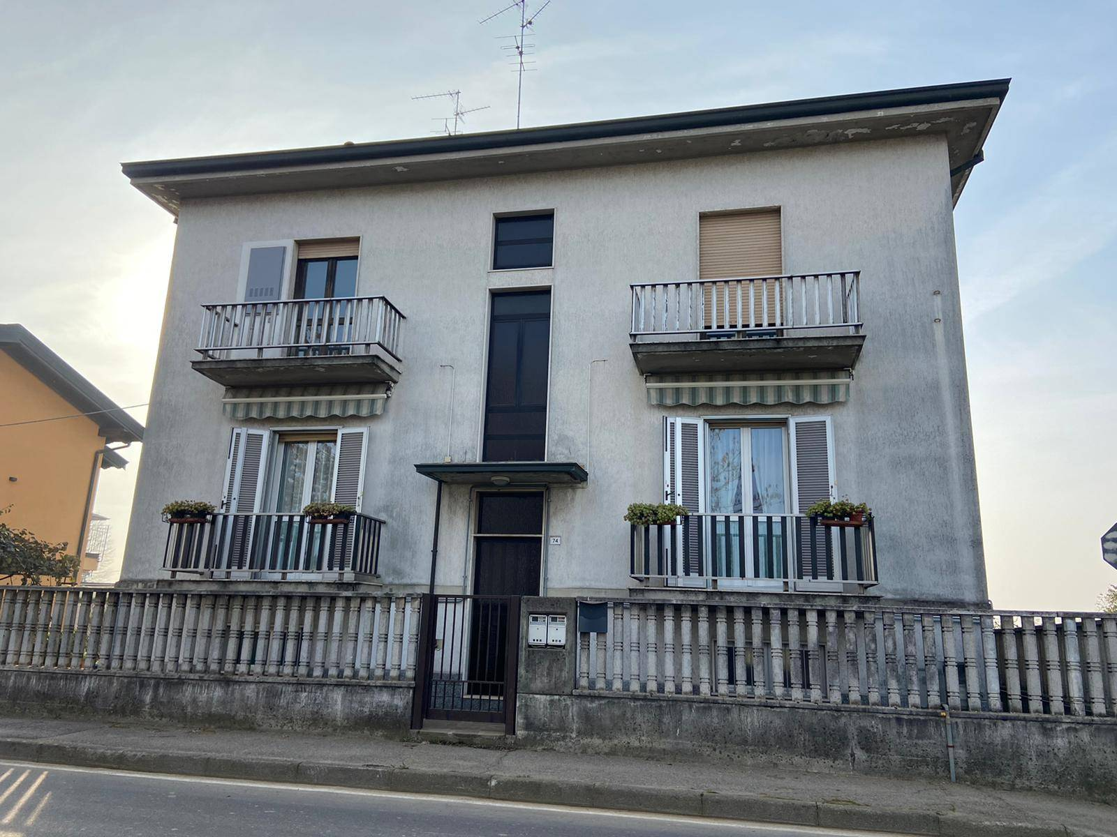 SANT'AGATA, CASSINA DE'PECCHI, Semi detached house for sale of 165 Sq. mt., Be restored, Heating Individual heating system, Energetic class: G, Epi: