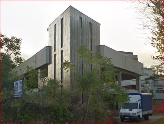 Proponiamo immobile commerciale all'asta a Seregno (MB) in via Colzani/Edison ,composto da fabbricato commerciale/espositivo disposto su due piani oltre piano di copertura praticabile scoperto e con