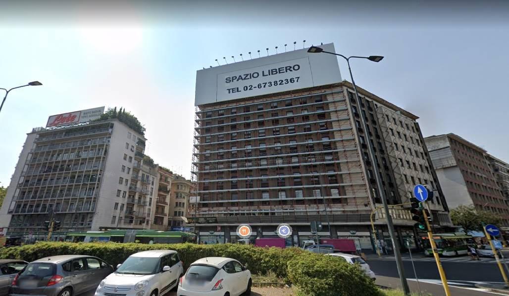 Vendesi in Milano zona Piazzale Loreto con progetto approvato per realizzare n° 8 attici con terrazze. Classe A4. MQ 500. Info chiamare il 3332291426