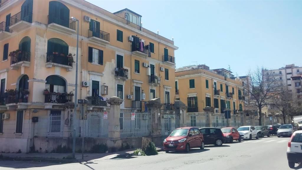 Trilocale in Viale Regina Elena Is. 468, Messina
