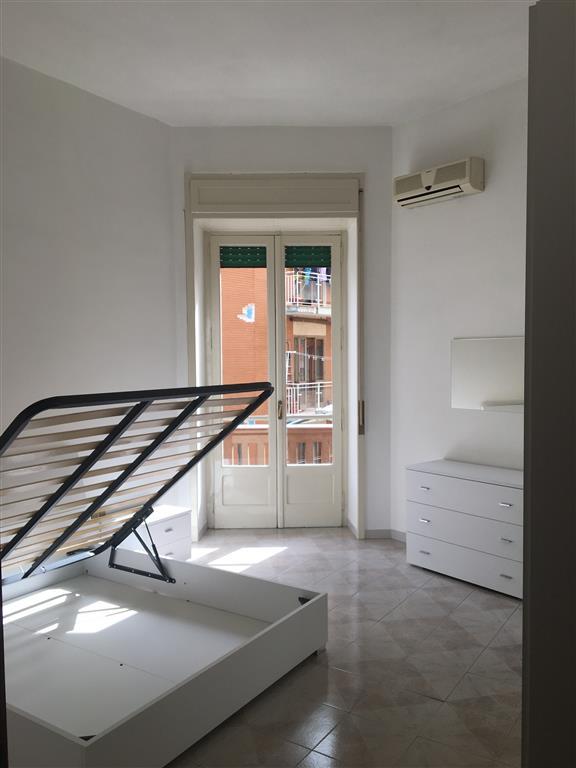 Trilocale in Via Marino Paglia, Carmine, Salerno