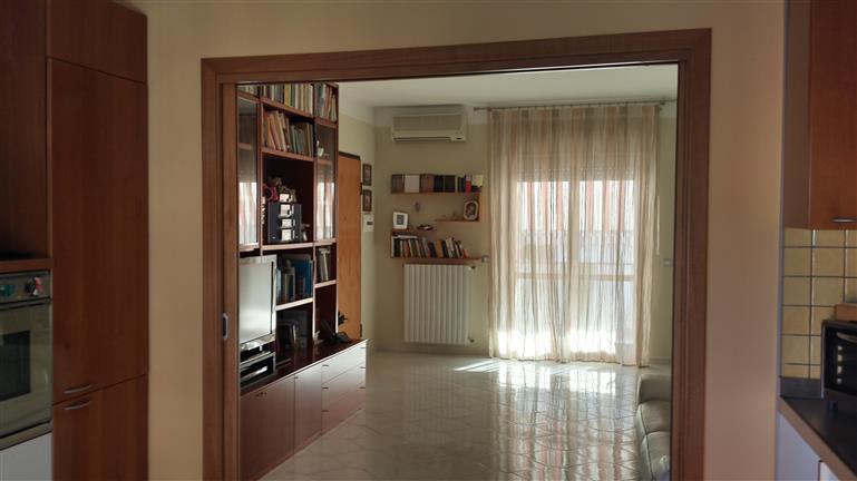 Quadrilocale in Via Mattia Limongelli, Mercatello, Salerno