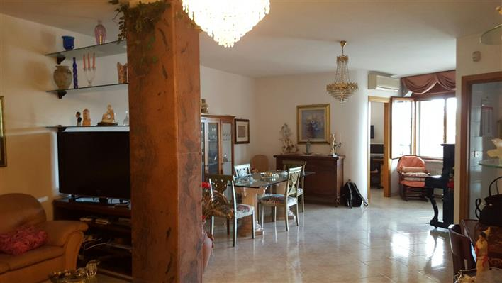 Quadrilocale, Mercatello, Salerno, ristrutturato