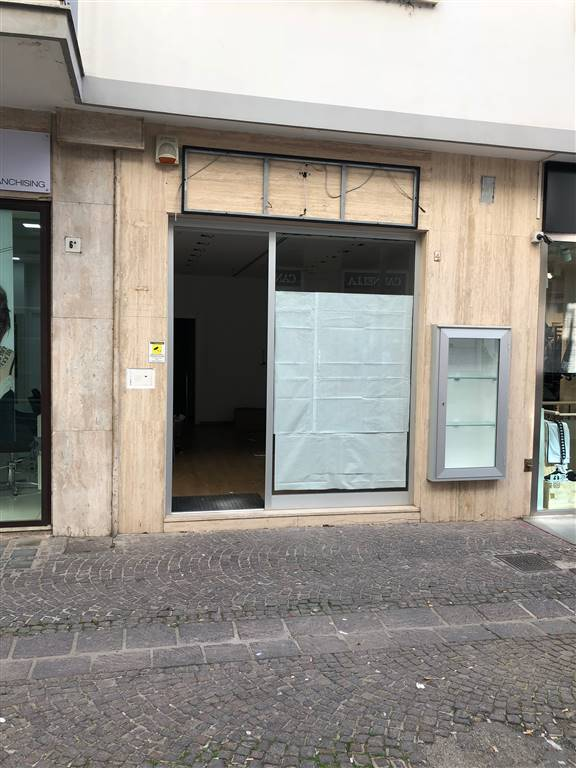Attività commerciale, Centro, Salerno, ristrutturato