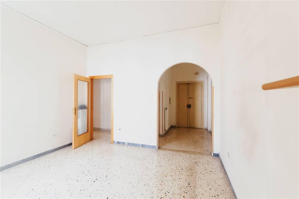 Quadrilocale in Via Antonio Manganario 90, Carmine, Salerno