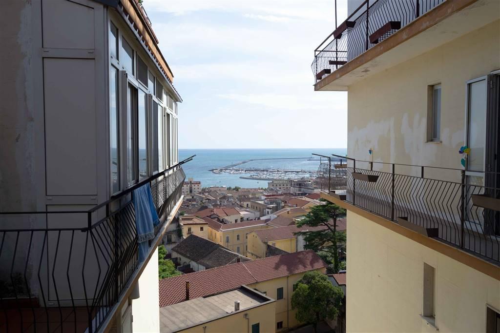 Trilocale, Centro, Salerno, abitabile