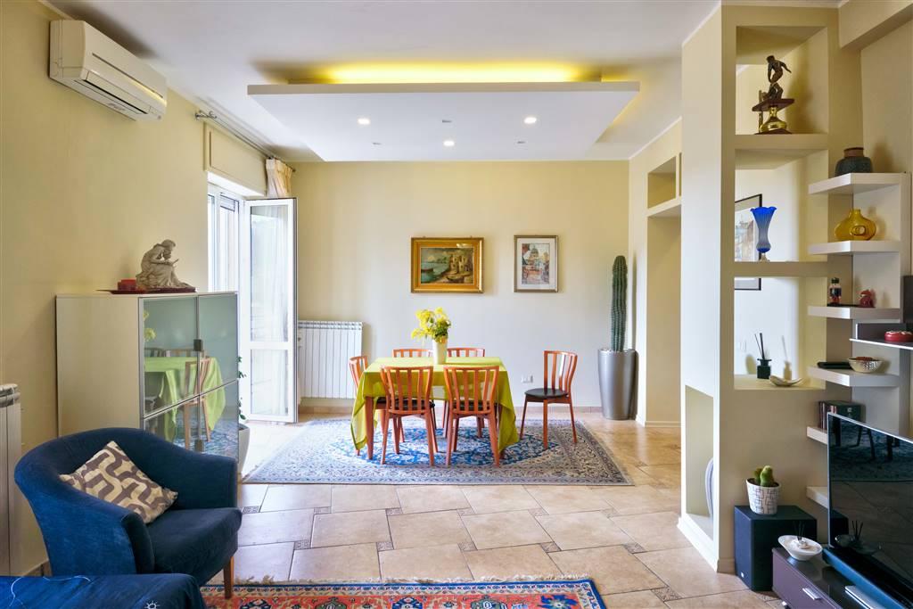 CARMINE, SALERNO, Appartamento in vendita di 125 Mq, Ristrutturato, Riscaldamento Autonomo, Classe energetica: F, Epi: 175 kwh/m2 anno, posto al