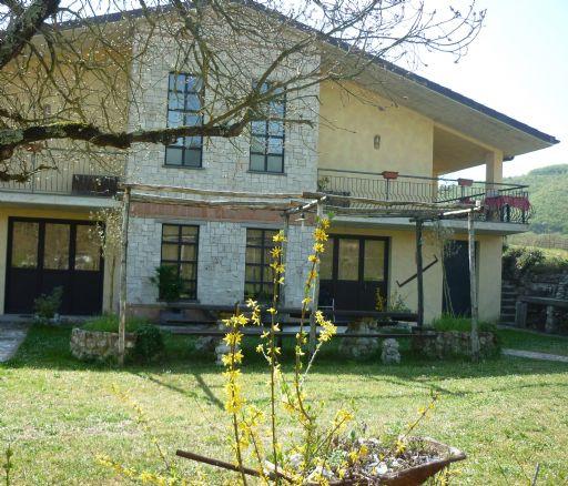 Villa in Località Restano Snc, Colli Sul Velino