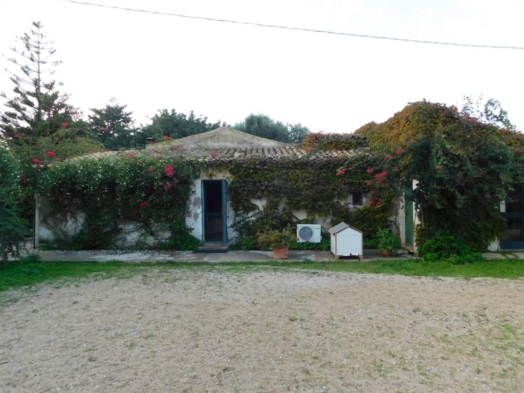 Villa, Santa Croce Camerina