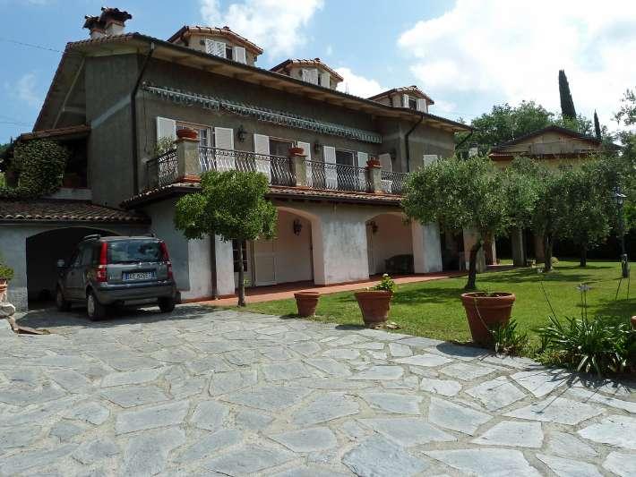 Villa in vendita a Sarzana